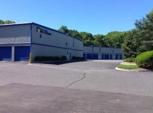 Uncle Bob's Self Storage - East Hampton