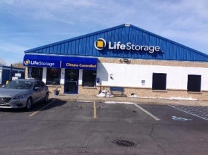 Life Storage - Bay Shore