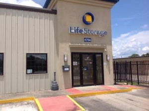 Life Storage - Lafayette - West Congress Street