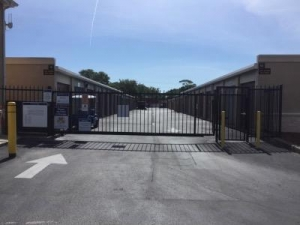 Life Storage - Tarpon Springs - Photo 9
