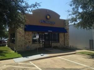 Life Storage - Dallas - Goldmark Drive