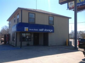 Uncle Bob's Self Storage - Lafayette - 2860 NE Evangeline Thwy