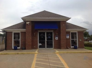 Life Storage - Columbus - Williams Road - Photo 1