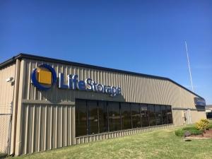 Life Storage - Port Arthur - 9595 US Highway 69 Facility at  9595 Us-69, Port Arthur, TX