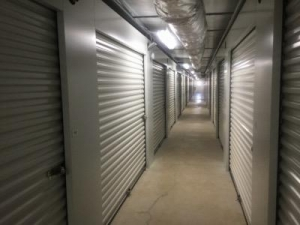 Life Storage - Huntsville - South Memorial Parkway - Photo 3
