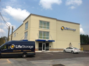 Life Storage - Pensacola - West Nine Mile Road Facility at  1600 W Nine Mile Rd, Pensacola, FL