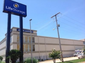 Life Storage - Jackson - 5111 I-55 North