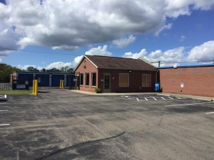 Life Storage - Cincinnati - Robertson Avenue Facility at  2950 Robertson Ave, Cincinnati, OH