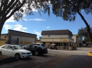 Life Storage - Tampa - E Fletcher Ave