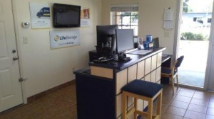Life Storage - Tampa - West Hillsborough Avenue - Photo 8