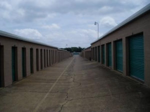 Uncle Bob's Self Storage - Dallas - 3210 S Buckner Blvd - photo