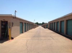 Uncle Bob's Self Storage - Dallas - S Buckner Blvd - Photo 2