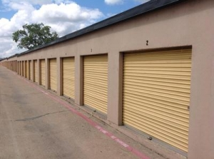 Uncle Bob's Self Storage - Dallas - N Buckner Blvd - photo
