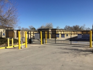 Image of Life Storage - Lakewood - Kipling Street Facility on 1576 Kipling St  in Lakewood, CO - View 3