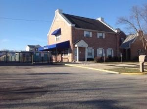 Life Storage - Columbus - West Henderson Road