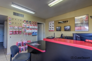 CubeSmart Self Storage - Tucson - 3899 N Oracle Rd - Photo 7