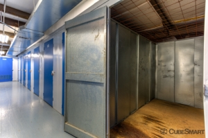 CubeSmart Self Storage - Riverside - 4011 Fairgrounds Street - Photo 5