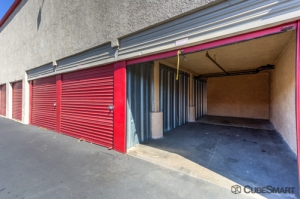 CubeSmart Self Storage - Santa Ana - Photo 2