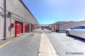 CubeSmart Self Storage - Santa Ana - Photo 6