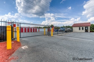 Image of CubeSmart Self Storage - Fredericksburg - 8716 Jefferson Davis Highway Facility on 8716 Jefferson Davis Highway  in Fredericksburg, VA - View 3