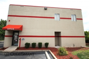 CubeSmart Self Storage - East Hanover - Photo 2