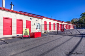 CubeSmart Self Storage - Milford - 90 Rowe Ave - Photo 9