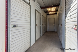 Image of CubeSmart Self Storage - Glendale Facility on 7028 North Dysart Road  in Glendale, AZ - View 4