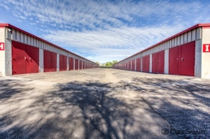 Image of CubeSmart Self Storage - Tucson - 201 S Plumer Ave Facility on 201 S Plumer Ave  in Tucson, AZ - View 3