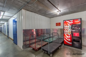 Image of CubeSmart Self Storage - Tucson - 3265 E Speedway Blvd Facility on 3265 E Speedway Blvd  in Tucson, AZ - View 4
