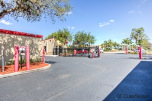 CubeSmart Self Storage - Bradenton - 6915 Manatee Ave West - Photo 4