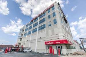 CubeSmart Self Storage - Philadelphia - 501 Callowhill Street - Photo 2