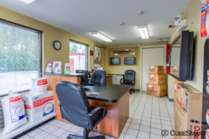 CubeSmart Self Storage - Addison - Photo 3