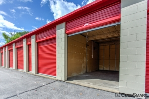 CubeSmart Self Storage - Addison - Photo 5