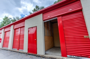 CubeSmart Self Storage - Addison - Photo 6