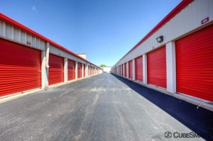 CubeSmart Self Storage - Elk Grove Village - Photo 8