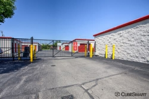 CubeSmart Self Storage - Gurnee - Photo 6