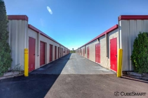 CubeSmart Self Storage - Wheeling - 1004 S. Milwaukee Avenue - Photo 6