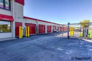 CubeSmart Self Storage - Wheeling - 1004 S. Milwaukee Avenue - Photo 7