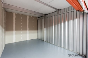 Image of CubeSmart Self Storage - Lutz - 14902 North 12th Street Facility on 14902 North 12Th Street  in Lutz, FL - View 4