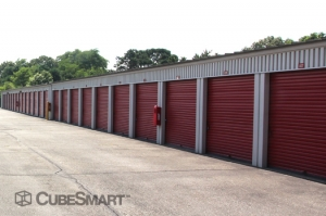 CubeSmart Self Storage - Riverhead - Photo 6
