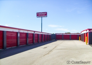Image of CubeSmart Self Storage - Plainfield - 12408 Industrial Dr East Facility on 12408 S Industrial Dr E  in Plainfield, IL - View 2