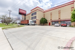 CubeSmart Self Storage - San Antonio - 838 N Loop 1604 E
