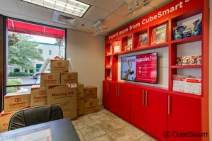 Image of CubeSmart Self Storage - Jacksonville - 645 Park St Facility on 645 Park St  in Jacksonville, FL - View 3