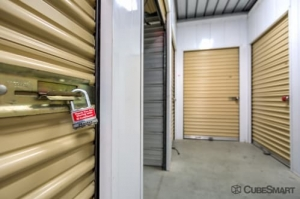 Image of CubeSmart Self Storage - Murrieta - 40410 California Oaks Road Facility on 40410 California Oaks Road  in Murrieta, CA - View 4
