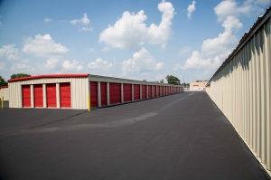 Image of National Mini Storage of Gull Road Facility on 3330 Gull Rd  in Kalamazoo, MI - View 4