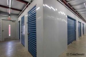 CubeSmart Self Storage - Old Saybrook - 45 School House Rd - Photo 4