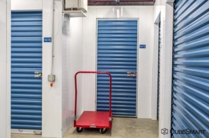 CubeSmart Self Storage - Old Saybrook - 45 School House Rd - Photo 5