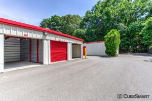 CubeSmart Self Storage - Old Saybrook - 45 School House Rd - Photo 8