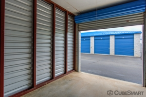 CubeSmart Self Storage - Warrenton - 689 Industrial Rd - Photo 3