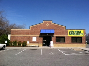 Image of AAAA Self Storage & Moving - Norfolk - 6562 Tidewater Dr Facility on 6562 Tidewater Dr  in Norfolk, VA - View 2